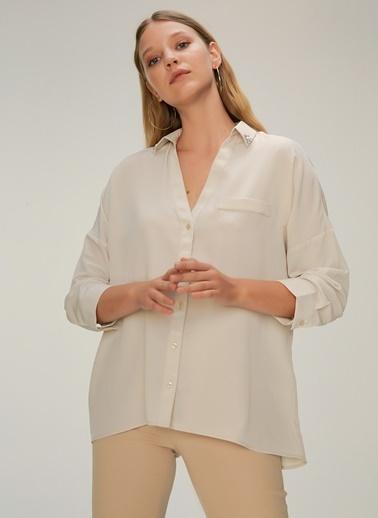 NGSTYLE Yakası Taş İşlemeli Gömlek Krem